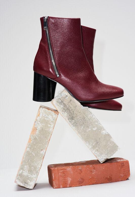 AVRILH19 : Schuhe farbe B001